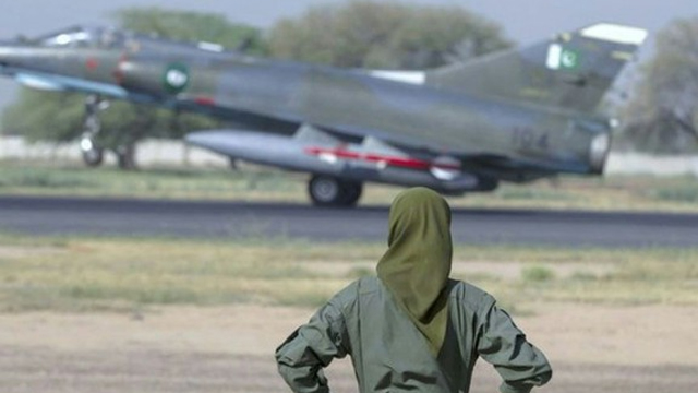PAF female fighter pilot